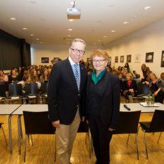 Rudolf Kaske, Präsident der Wiener Arbeiterkammer und der Bundesarbeitskammer stellt sich den Fragen der SchülerInnen der HFS