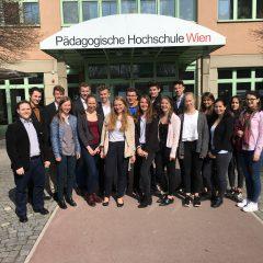 Besuch der 4HSA und 5HSA beim eBazar der PH Wien