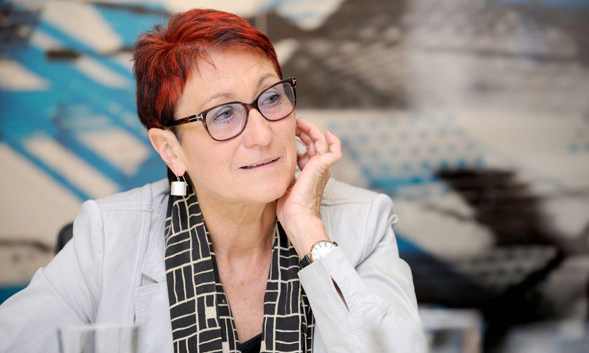 Ready to vote – Bildungsexpertin Heidi Schrodt am Firnbergplatz