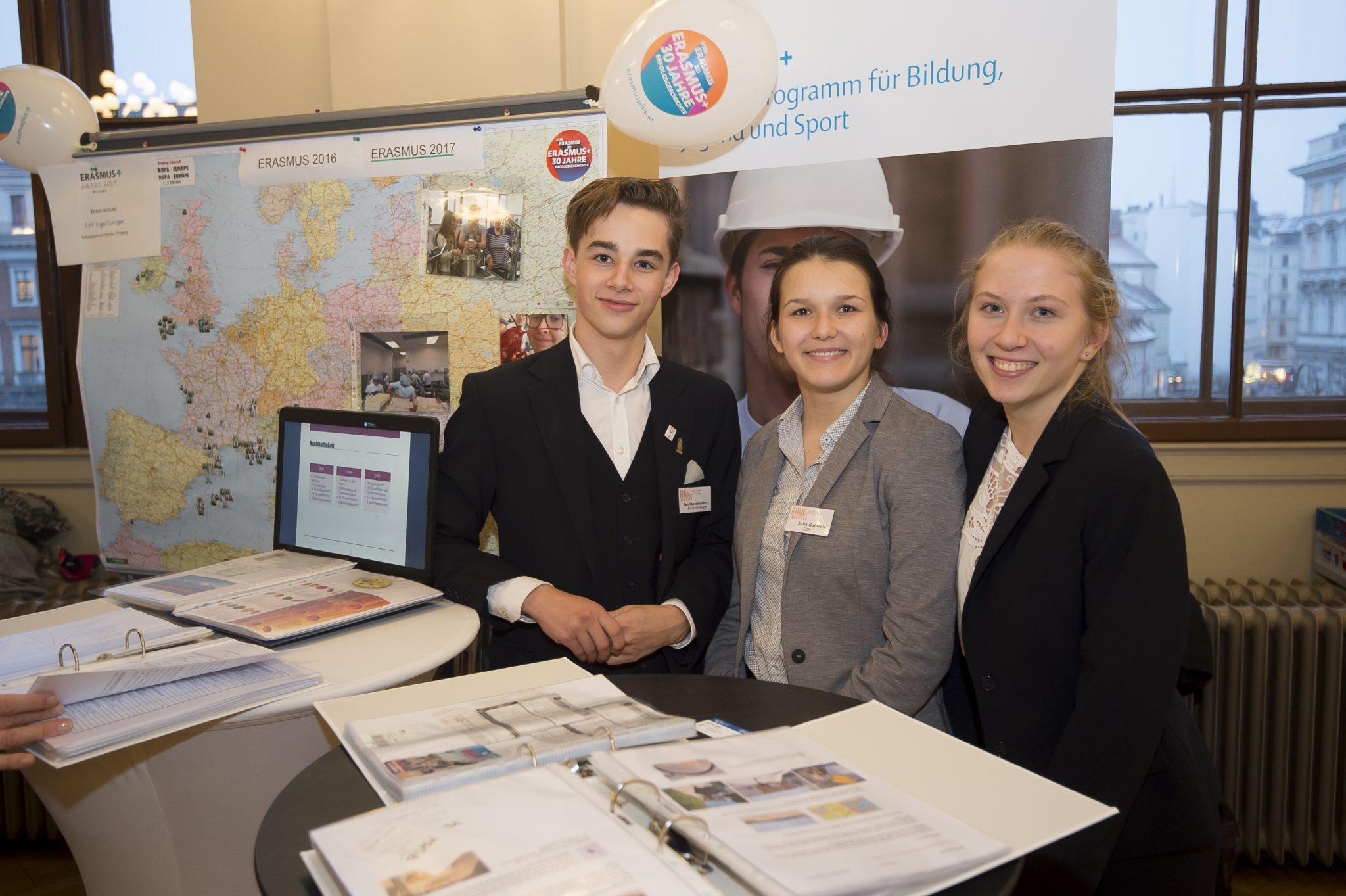 "Hertha Firnberg Schulen beim ""Erasmus+ Award 2017"""
