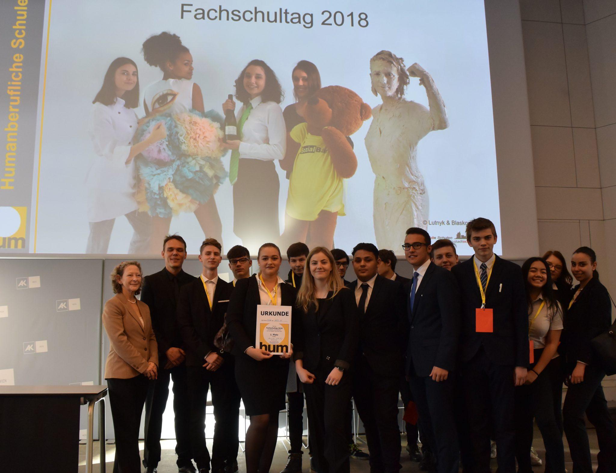 """2. Jahrgang der Hotelfachschule gewinnt 1. Platz bei Fachschul-Wettbewerb """"Mein Lieblingsfach"""